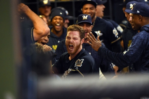 Brewers hold on to beat the Padres, 10-7
