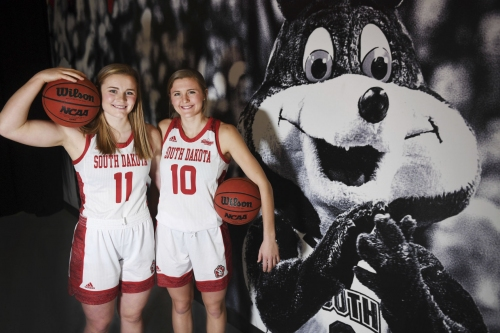Sisters play together on University of South Dakota team