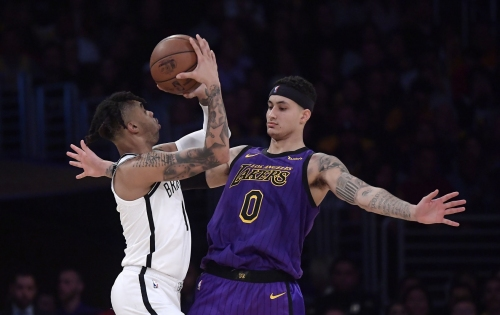 Nets vencen 111-106 a Lakers y dejan a James sin playoffs
