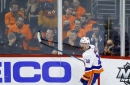 Bailey powers Islanders past Flyers 4-2