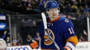 Bailey powers Islanders past Flyers in push for Metro lead