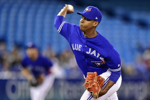 Blue Jays RHP Luciano is first big leaguer born this century