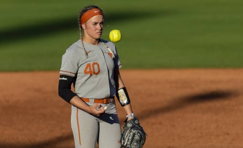 Texas softball shuts out Tech on road in Top 25 matchup