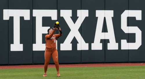 Tech takes walk-off win to even series with Texas softball team