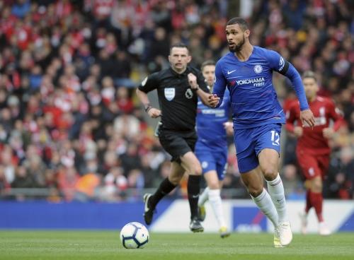 Chelsea fans love Ruben Loftus-Cheek barging Virgil van Dijk off the ball during Liverpool clash