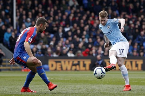 Kevin De Bruyne is keeping his own Man City assist count this season