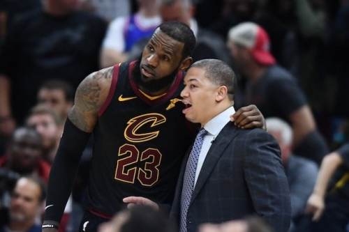 NBA Coaching Rumors: Lakers Might 'Fear' Hiring Tyronn Lue Gives LeBron James 'Too Much Control'