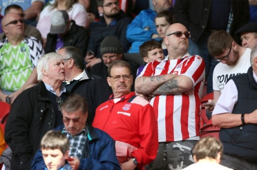 'I love nothing more than dominating a 1-0 defeat' - Fans underwhelmed by goal-shy Stoke City
