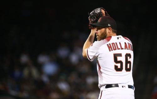 Resurgent Greg Holland picks up consecutive saves as Diamondbacks sweep Yankees