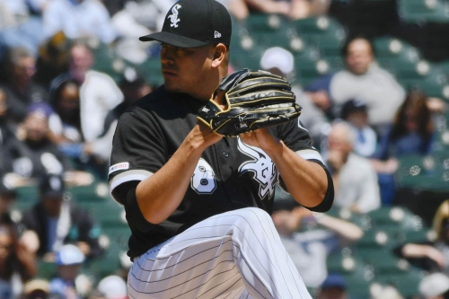 Cleveland pummels Sox 9-0; Banuelos exits early with injury