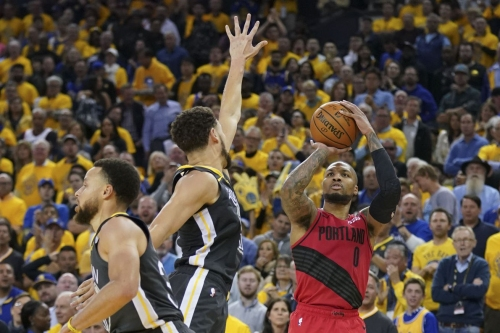 Explain One Play: How Stephen Curry and the Warriors trapped Damian Lillard