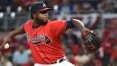 Braves trade Vizcaino, Biddle to Seattle for reliever Swarzak