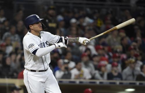 Padres top Phillies behind Machado's slam, Lauer's curve