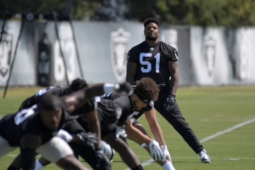 Vontaze Burfict 'like having a quarterback that you've coached' at middle linebacker for Raiders