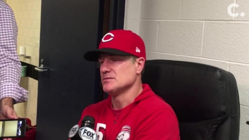Cincinnati Reds' David Bell talks Nick Senzel/Jose Peraza collision, Joey Votto injury