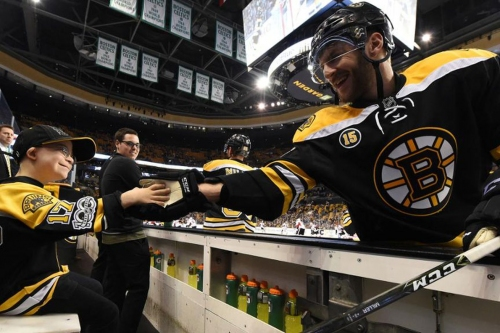Bruins Game 7: Liam Fitzgerald teams up with Julian Edelman and Aly Raisman as banner captains