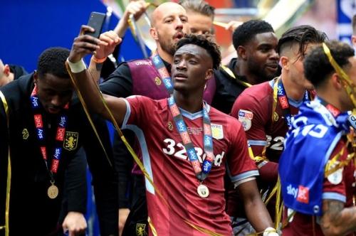 Chelsea striker Tammy Abraham reveals Aston Villa transfer stance