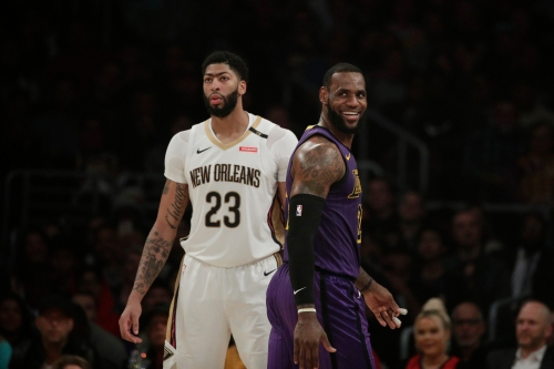 Pelicans trade Anthony Davis to Lakers in blockbuster NBA deal; Lonzo Ball, others to New Orleans