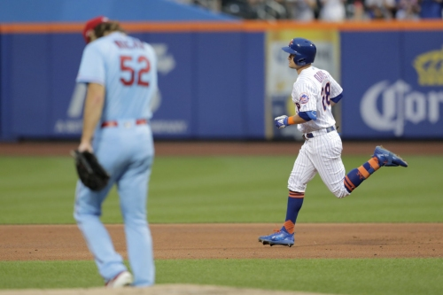Cards try to steal a win vs. Mets but fall just short
