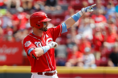 Jesse Winker drives in 5 runs to lead the Cincinnati Reds to a win over the Texas Rangers