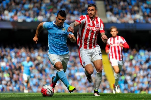 Stoke City midfielder's US talks stall