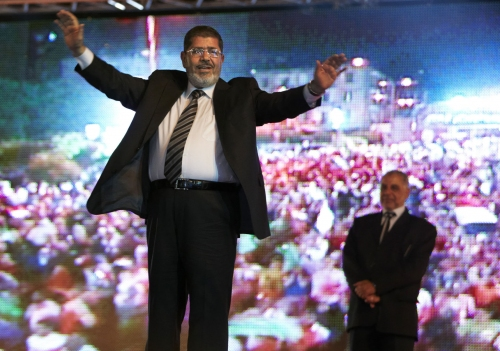 Entierran al expresidente Morsi, fallecido en corte egipcia