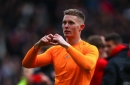 Manchester United's Dean Henderson shows the one area where he's already better than David De Gea