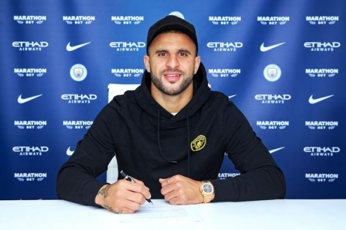 Kyle Walker signs new Man City deal but could face new competition for his place