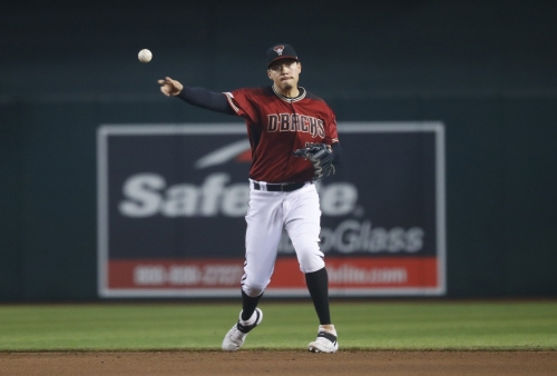 Diamondbacks: Wilmer Flores activated, but Jake Lamb gets start