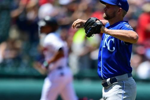 Royals drop series finale, 5-4, in Cleveland