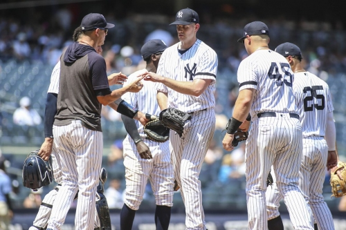 Yankees fall to Rockies in series finale
