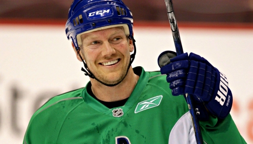 Quick Shifts: The real reason Vancouver chased Mats Sundin
