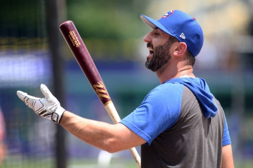Again, it's time to ask: Why is Daniel Descalso still a Cub?