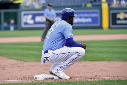 Royals come back to beat Indians, 9-6