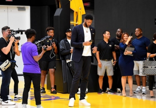 Anthony Davis: Lakers 'Were On My Top List,' Reveals LeBron James Texted Him 10-15 Minutes After Pelicans Trade