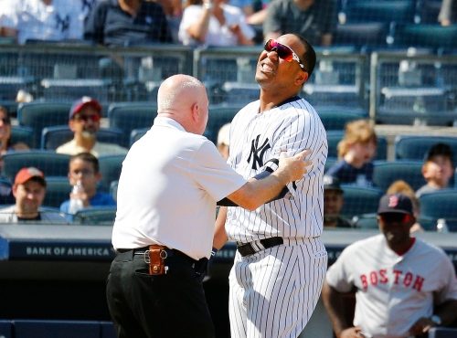 Yankees' Edwin Encarnacion lands on IL with wrist fracture