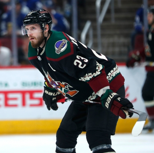 Arizona Coyotes help Chandler youth hockey league after their gear was stolen