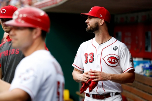 Joey Votto, Jesse Winker both out of Cincinnati Reds lineup with back tightness