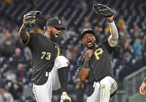 Seventh-inning explosion keys Pirates' win