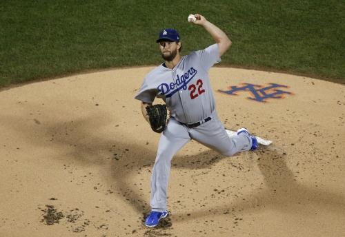 Clayton Kershaw halts his losing skid with fine effort in Dodgers' win over Mets