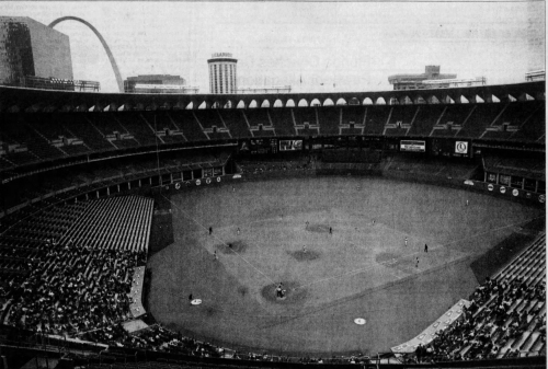 'Like a graveyard with lights:' 30 years ago, the Cardinals played before their smallest crowd at Busch