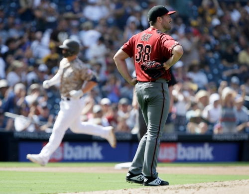 Diamondbacks' pitching crumbles as Mejias-Brean homers in Padres walk-off win