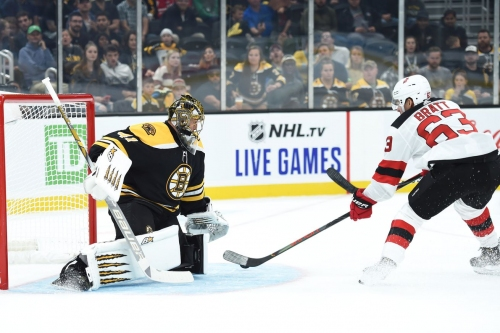 New Jersey Devils Can't Crack Bruins' Halak, Fall 2-0 in Boston
