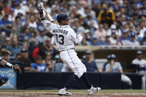 Familiar feel to Padres loss to Dodgers in home finale