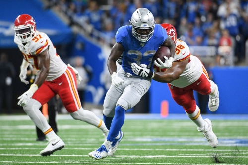 Detroit Lions lose goal-line fumble in bizarre 100-yard TD return by Kansas City