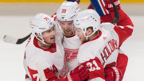 Mantha leads Red Wings past Canadiens to spoil Montreal's home opener