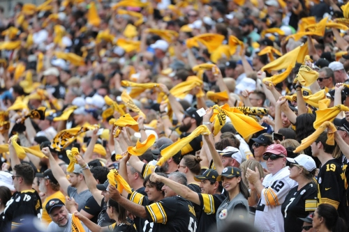 """The Chargers' attempted """"Rick Roll"""" of the Steelers in Week 6 fails miserably"""