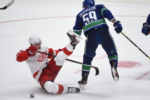 Detroit Red Wings' hot start fades after 'unacceptable' outing at Vancouver