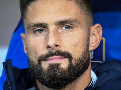 Chelsea transfer news: Frank Lampard happy to discuss Olivier Giroud's future with France striker struggling for game time