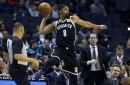 Bucks routs Clippers for 14th straight victory